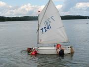 mali żeglarze są zawsze chętni do pomocy! - holowanie Julki
